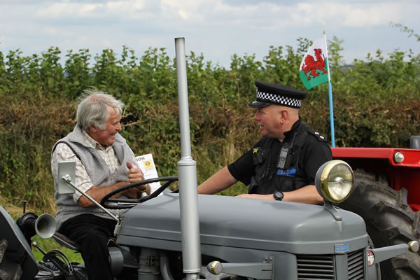 Sioe Llandysul 2017 - can I see your licence sir?