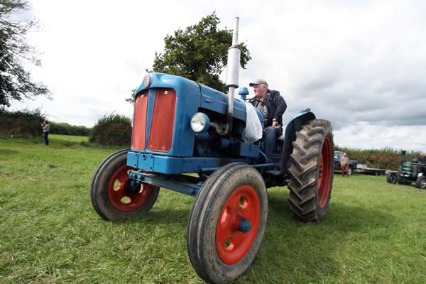 Sioe Llandysul 2017 - blue and red tractor