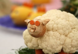 Sheep modeled from vegetables, competition at Llandysul Agricultural Show